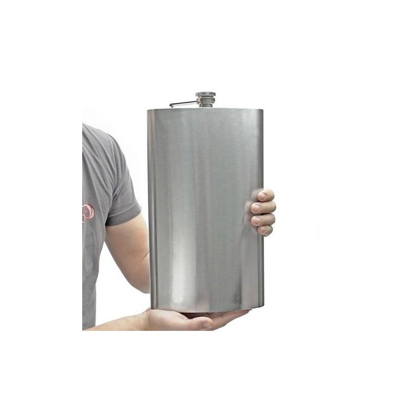 Obrovská placatka s obsahem 1,8 litru a brašnou