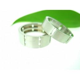 Zajímavý ocelový prsten
