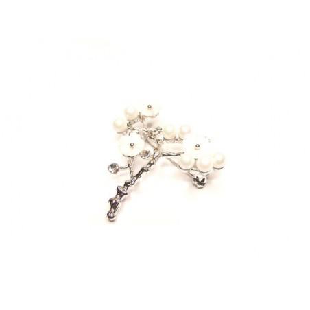 Brož květina bílá s perlami