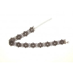 Choker / Halsband mit Blumendesign aus Spitze
