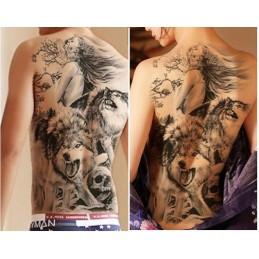 """Tatuaj adeziv uriaș, pe spate, cu design reprezentând """"Frumoasa și bestia"""""""