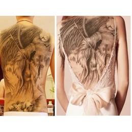 Tatuaj fals de format mare pe spate, în design de Moarte