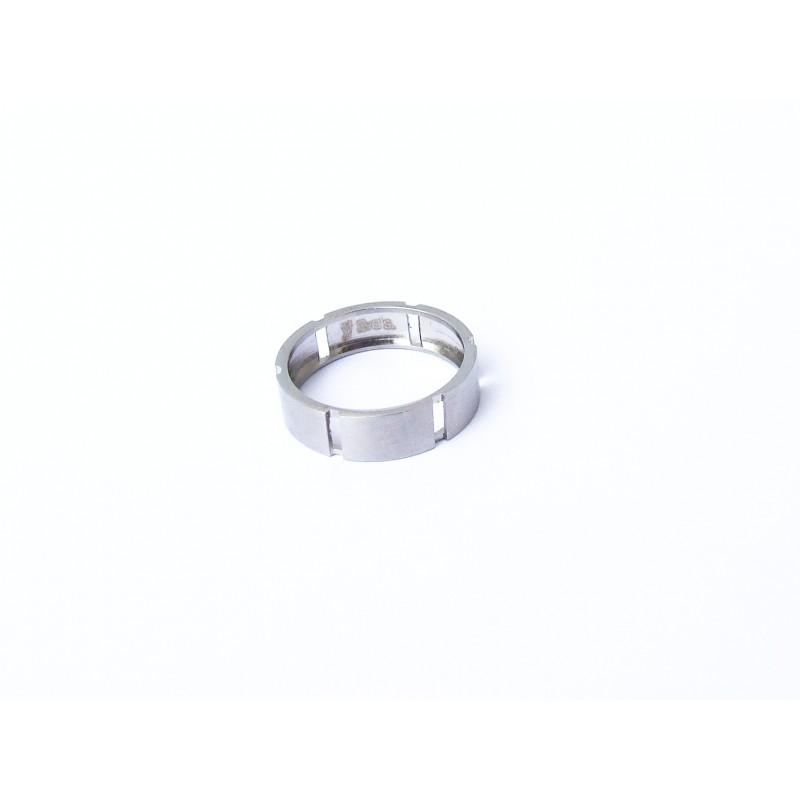 Prsten z chirurgické oceli
