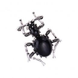 Brosstű fekete bogár futrinka zirkónokkal