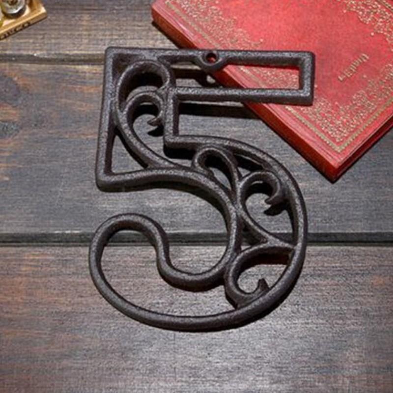 Litinové, železné číslo 5, dekorace na dům, domovní číslo na hřebík