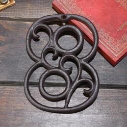 Litinové, železné číslo 8, dekorace na dům, domovní číslo na hřebík