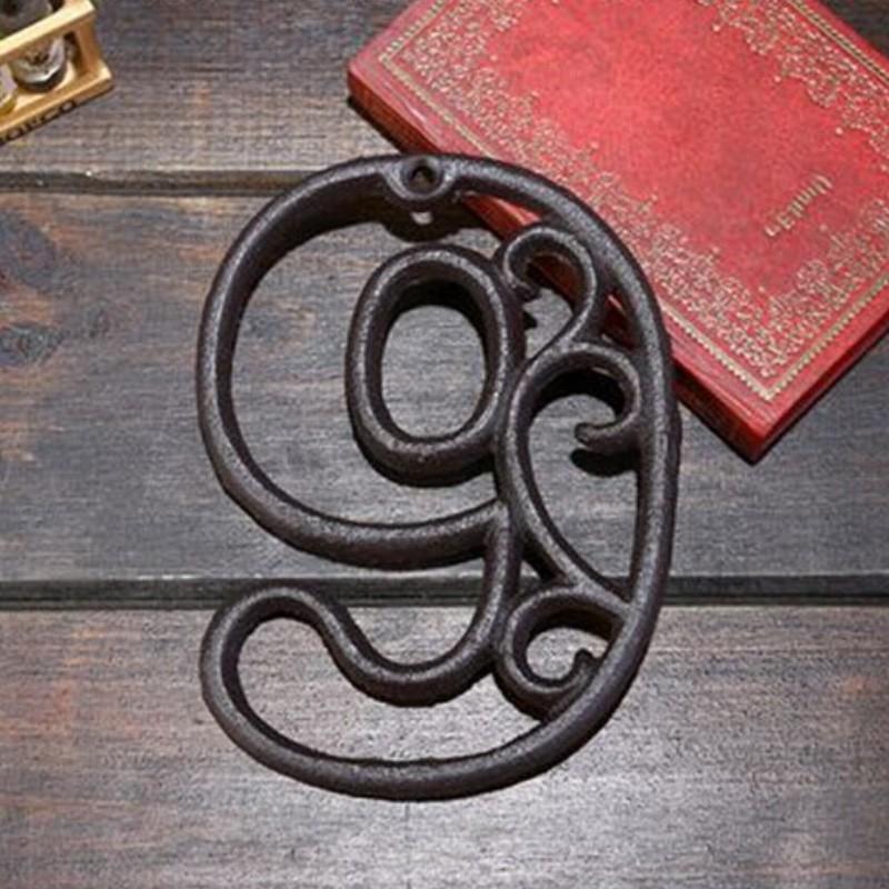 Litinové, železné číslo 9, dekorace na dům, domovní číslo na hřebík