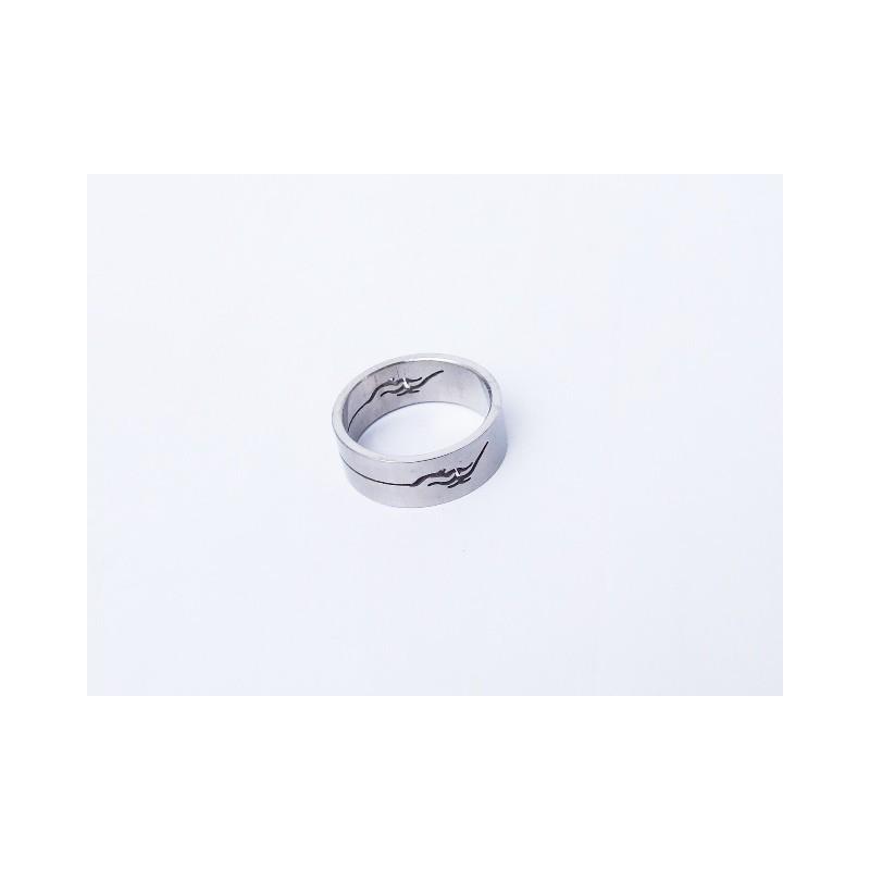 Prsten ocelový s ornamentem
