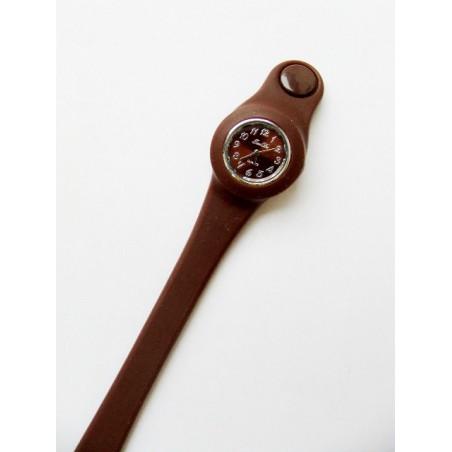 Hnědé hodinky ze silikonu
