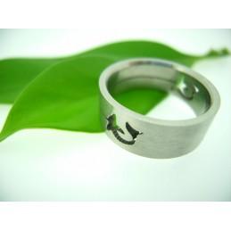 Ring mit mit einem Schnitt Motiv Delphin