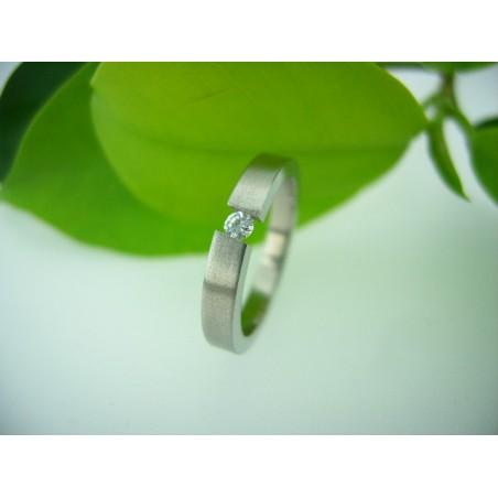 Ring aus matte chirurgischem Stahl