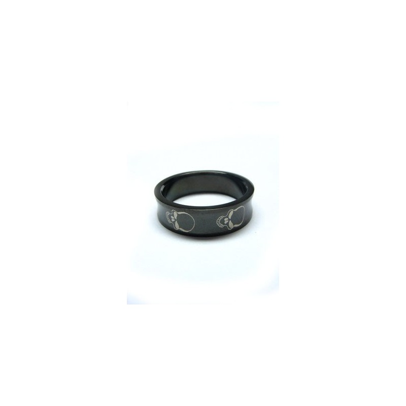 Prsten černý s lebkou