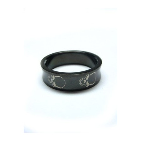 Ring mit Totenkopf-Motiv