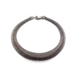 Halskette in Schlauchform