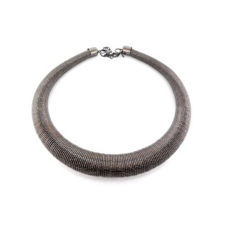 Originální náhrdelník z pružiny