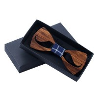 Muszki drewniane wąsy